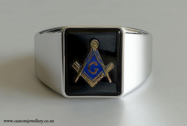Mens Cushion Shaped Masonic Ring New Zealand